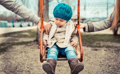 Семейный юрист: как подать на развод и оформить алименты на ребенка?